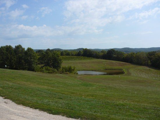 Marthasville, MO: Vineyards And Grounds