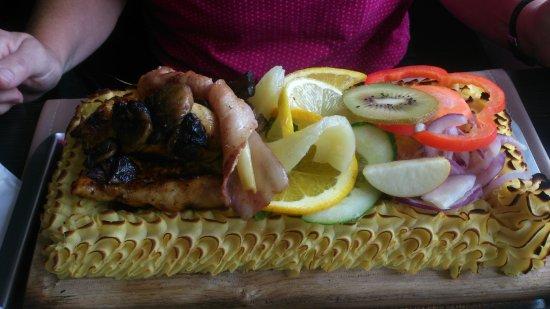 Steak House i Skeen: Planka på kycklingfilé ! Underbar !