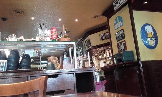 Léon de Bruxelles - Lille - Lezennes : La salle du restaurant 1