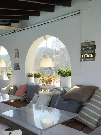 Villa Apollon Skiathos: Lovely relaxing area