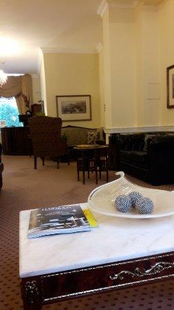 โรงแรมเดอะคอมโมดอร์: orca-image-1505044716056_large.jpg