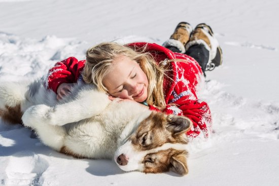 Ely, MN: When enjoying dogsledding fun, it's all smiles -- sledders & sled dogs alike!