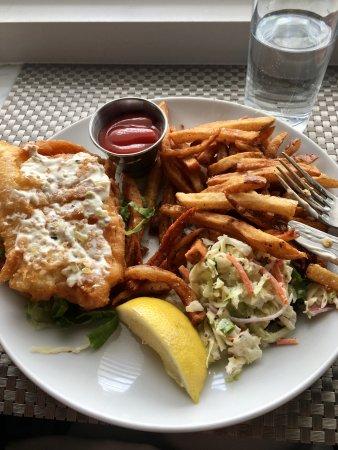 Duxbury, MA: fish sandwich