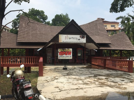 Things To Do in Gunung Besar Hantu, Restaurants in Gunung Besar Hantu