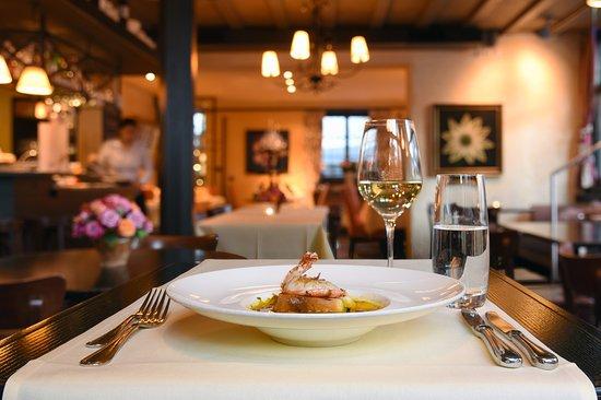 Restaurant taverne horgen ristorante recensioni numero for Foto di taverne arredate