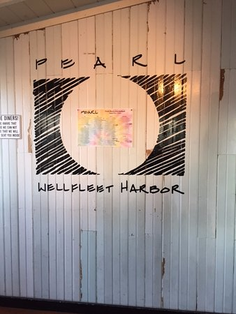 Pearl Restaurant & Bar: On the wall
