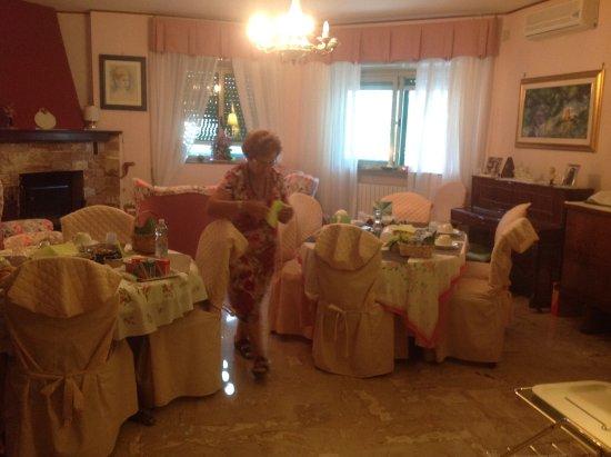 Arco di Federico: La preparazione della colazione