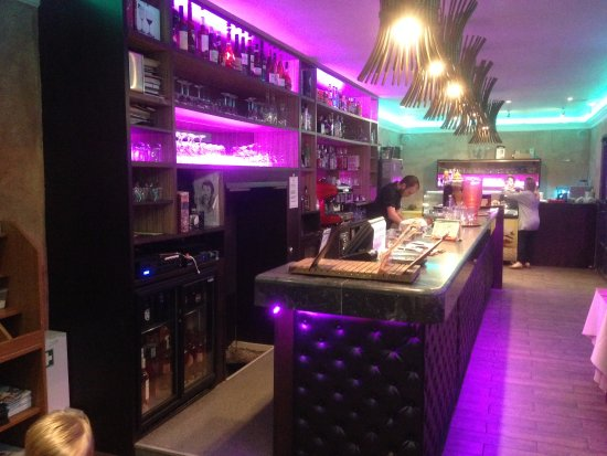 Claye Souilly, France: Le bar