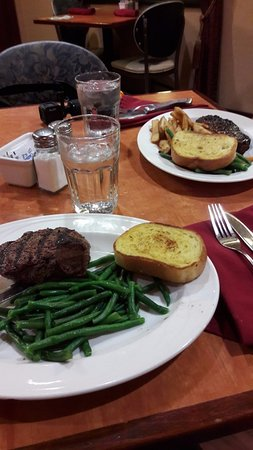 Gem Steakhouse & Saloon: Carne