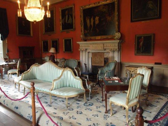 Malahide, Irlanda: Castle inside