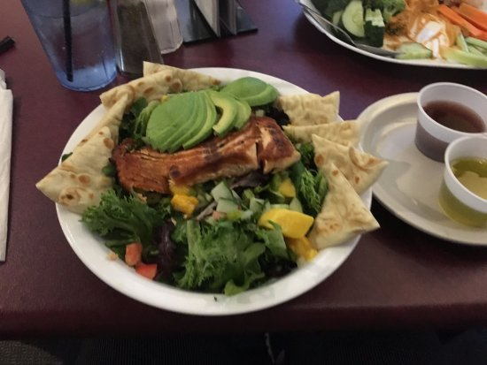 Wadsworth, IL: Not only great comfort food, but good selection of healthy eats!