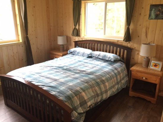 Telegraph Creek, Canada: Master bedroom