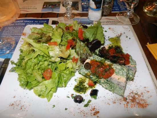 Mormoiron, Frankrike: l'omelette aux 3 saveurs