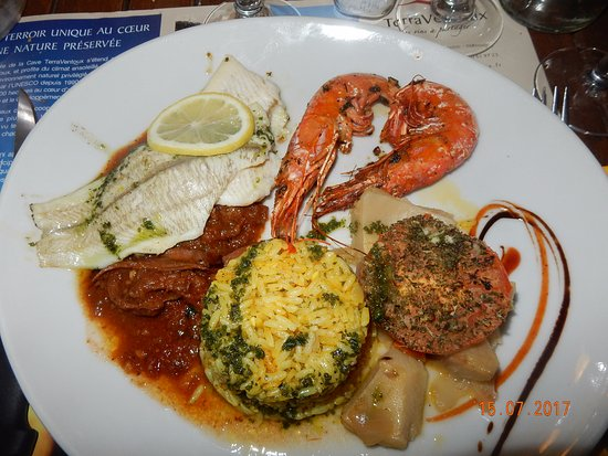 Mormoiron, Frankrike: l'assiette du pêcheur