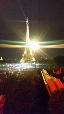 Tour Eiffel La Nuit Depuis Terrasse Photo De Cafe De L Homme