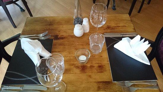 Bridge of Cally Hotel: Tisch im Restaurant
