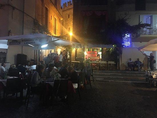 Restaurant Al Centro: Location e piatti
