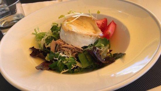Segur de Calafell, Spanien: Ensalada con queso de cabra