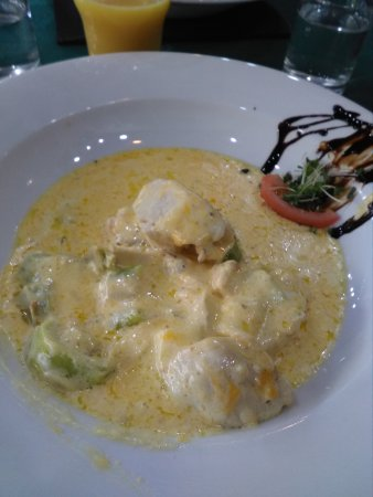 Grapevine Bistro & Restaurant: Chicken in cheese and leek sauce, fabulous taste