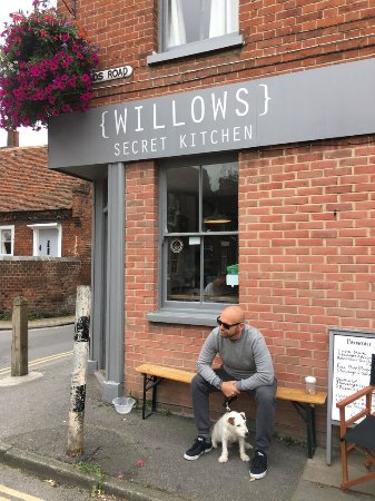 Willows Secret Kitchen: Perfect sandwiches and dog friendly!