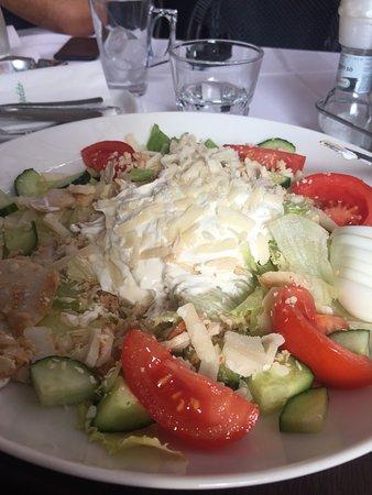 Mauro Ristorante Zamárdi: Mauro cezar salata tejföllel