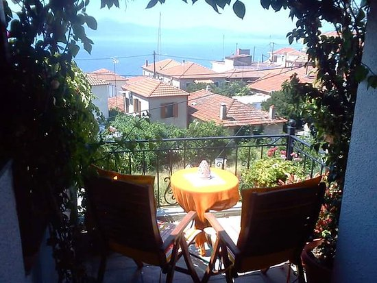 Agia Kyriaki, กรีซ: Enjoy your breakfast in the balcony!!
