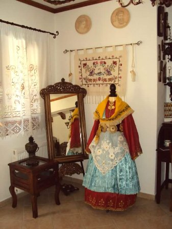 Agia Kyriaki, Hellas: For the lovers of Greek tradition The costume of Trikeri!!!
