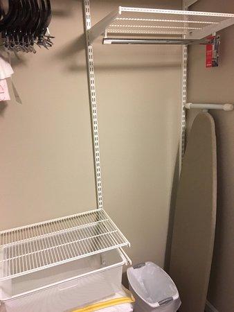 Auburn, AL: Nice closet!