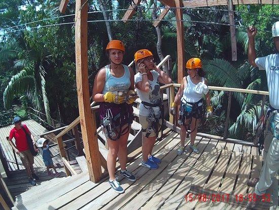 Belize Zip Line Canopy Tours: Piattaforma di partenza