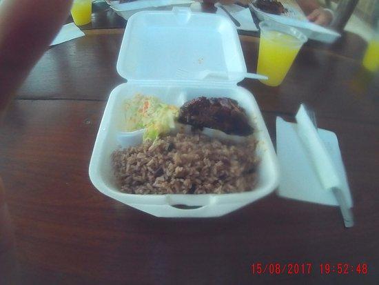 Belize Zip Line Canopy Tours: pranzo al ristorante