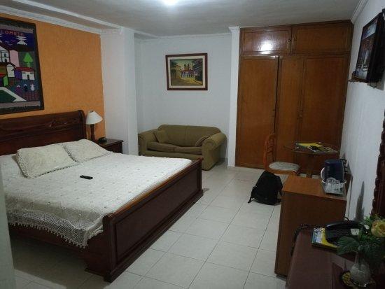 San Pietro Hotel : IMG_20170909_195357_large.jpg