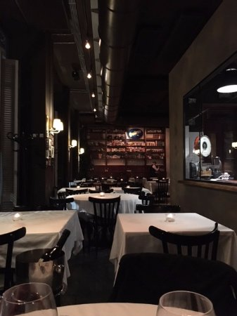 sala e cucina a vista - Picture of El Porteno, Milan - TripAdvisor