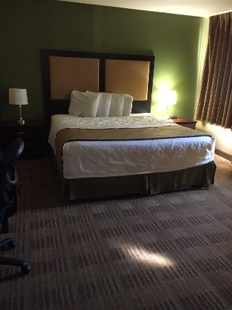 Extended Stay America - Colorado Springs - West: King suite
