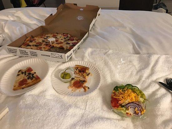 Gino's Pizzeria: photo0.jpg