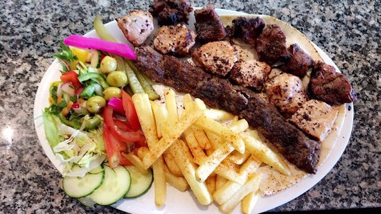 Borehamwood, UK: Mixed grill with chips