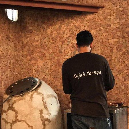Najah Lounge : Making bread