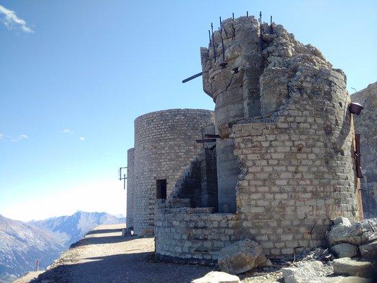 Nevache, Frankreich: Torre maggiormente danneggiata