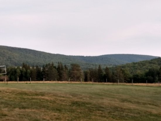 Margaree Valley, Καναδάς: This is the view from the back area