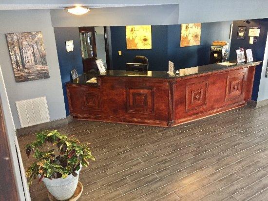 Creedmoor, NC: Front Desk