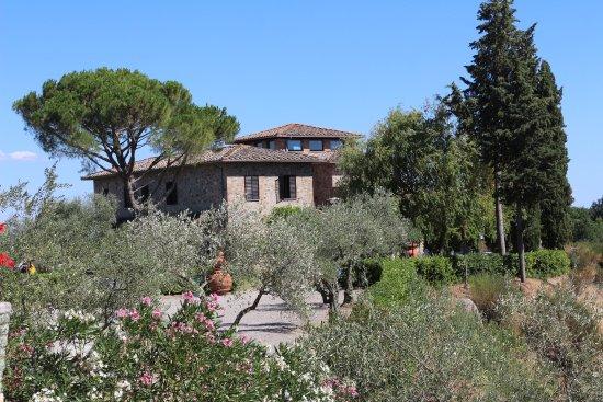 Quercegrossa, İtalya: vista sulla dependance dalla costruzione principale