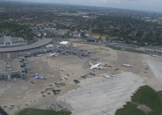 Flughafen Düsseldorf Besucherterrasse: foto aerea