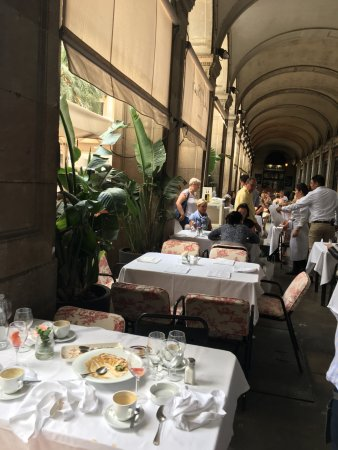 The table under the arcades