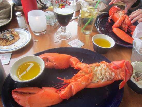 Harpswell, ME: Lobster served with margarine. Ouch!