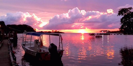 Portobelo, Panama: Sun set at Las Anclas restaurant