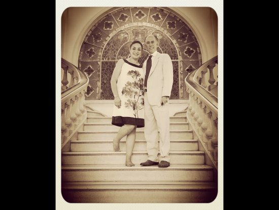 Urdinola Hotel: My wife and I at the lobby stairwell