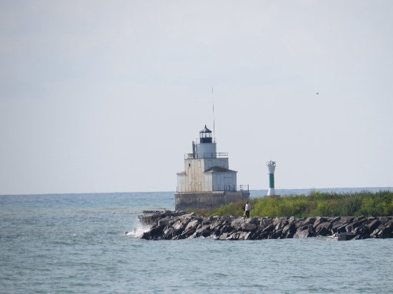 Two Rivers, WI: lighthouse near the marina