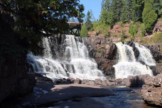 Two Harbors, MN: Beautiful waterfalls.