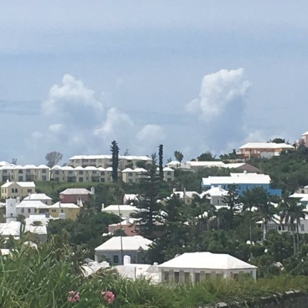 St. George, Islas Bermudas: The town view coming down hill