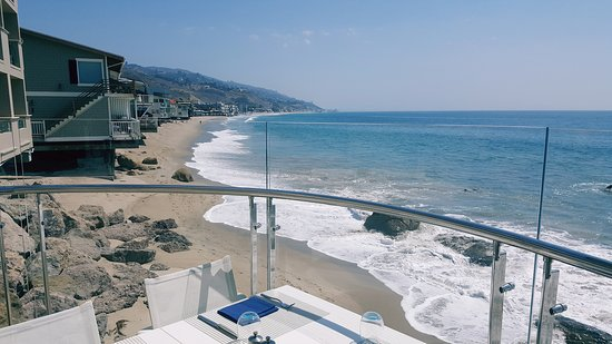 Carbon Beach Club Restaurant: Amazing lunch with the best ocean view in Malibu