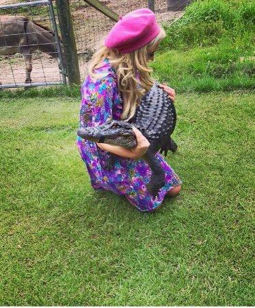 Kliebert's Turtle & Alligator Farm : Getting to hold an alligator